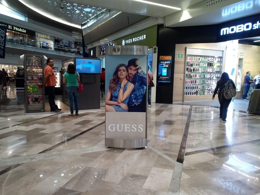 Comercialización y ubicación de espacios publicitarios